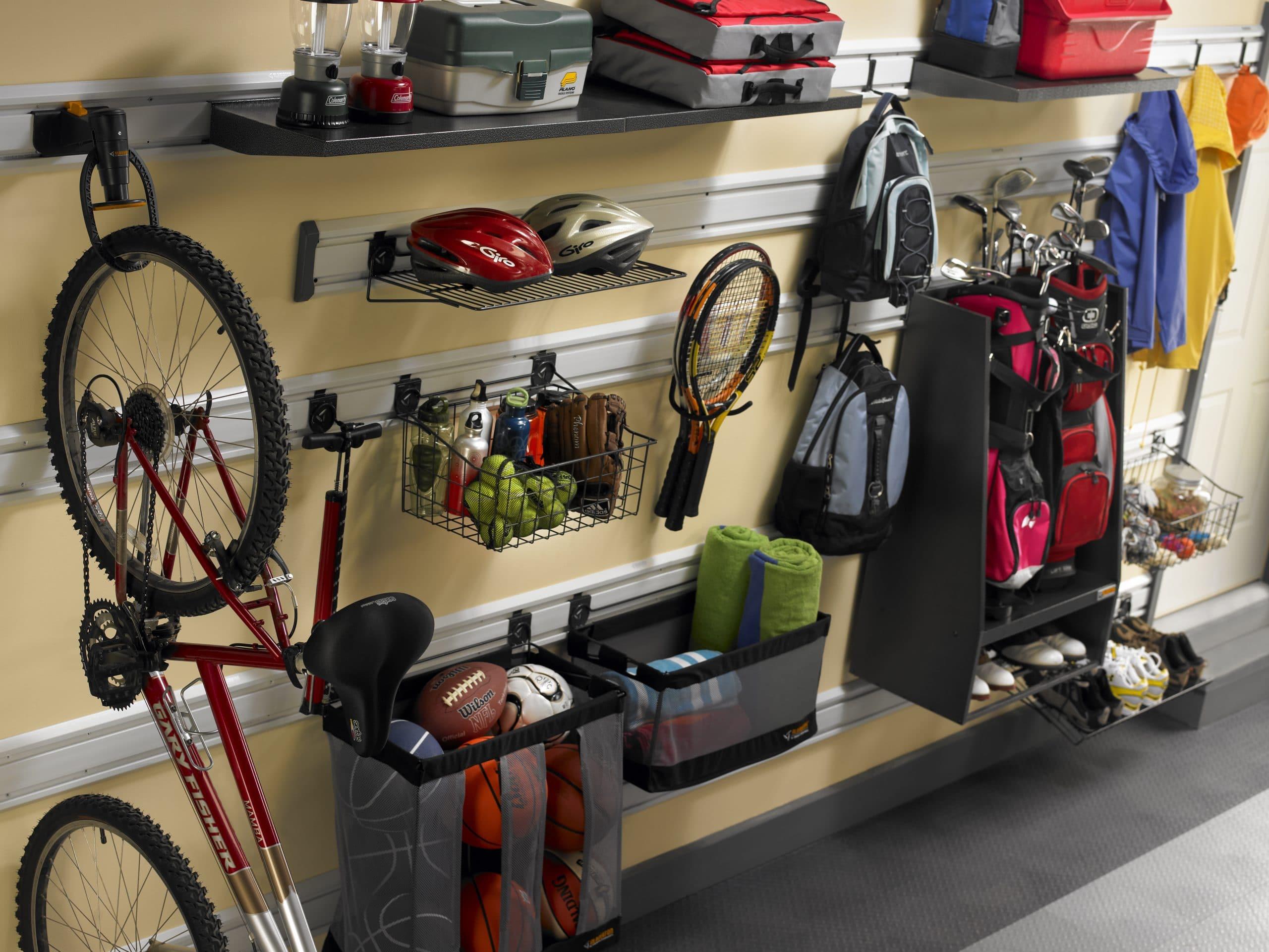 """You are currently viewing 4 Garage Storage Options for Your Large Sports Equipment That Won't Leave you """"Hanging"""""""