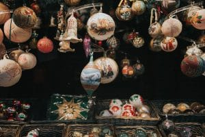 Read more about the article Make the Most of Storing Your Holiday Decorations