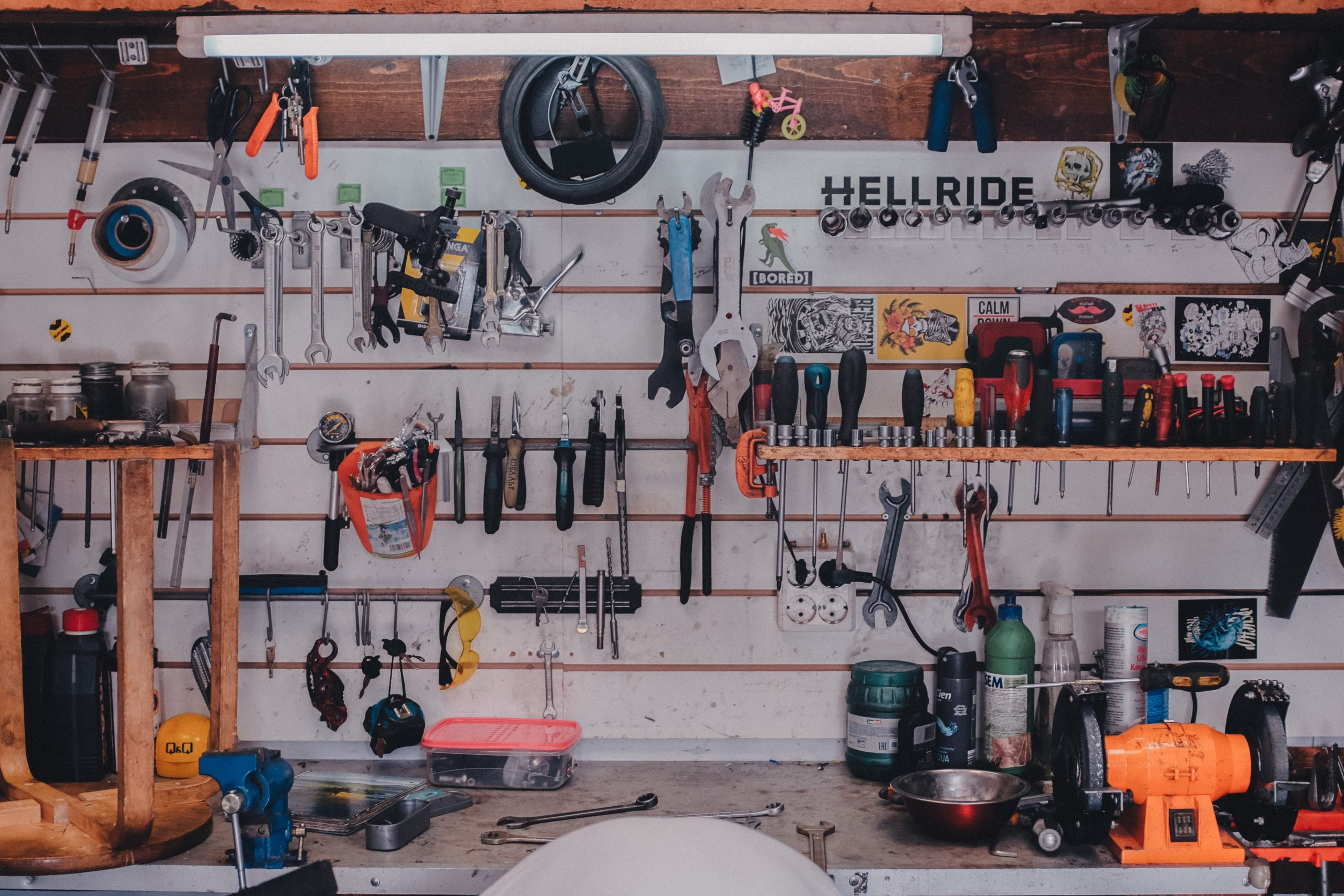 You are currently viewing Secrets to Keeping Your Garage Effortlessly Organized Year Round