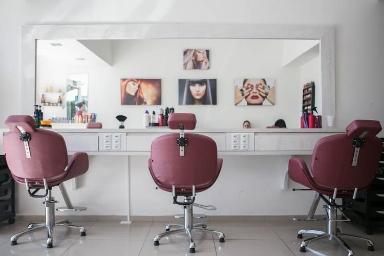 Read more about the article Designing a Hair Salon in Your Garage
