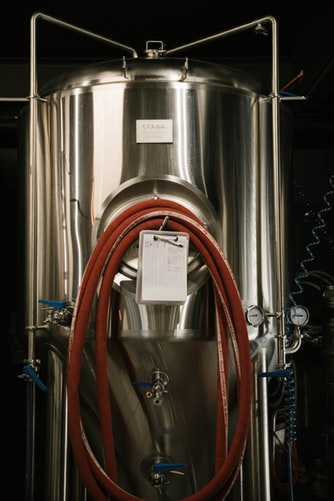Read more about the article Turn Your Garage into a Personal Home Brewery